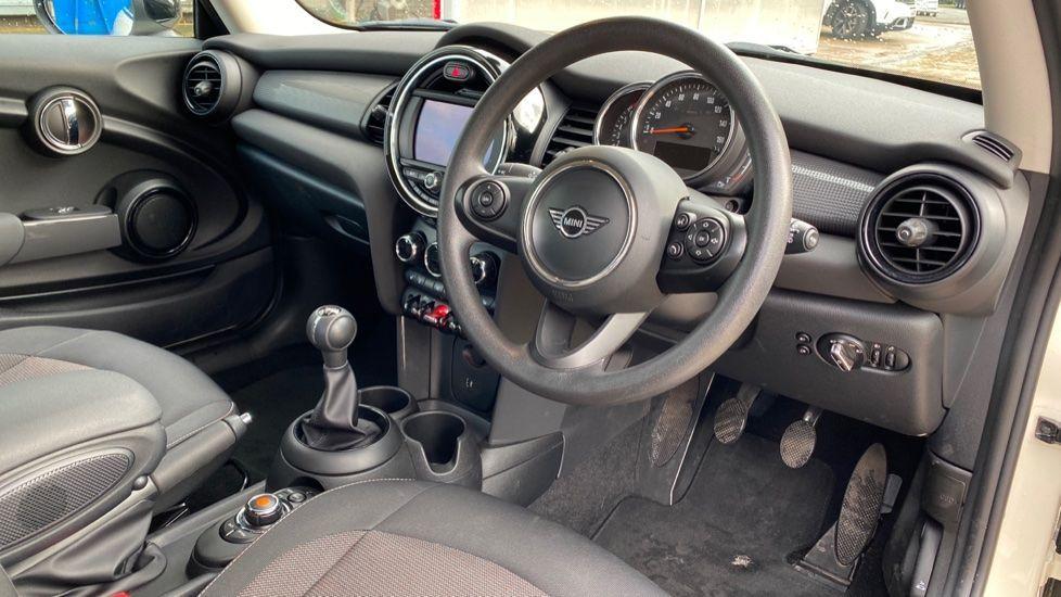 Image 5 - MINI Hatch (MX69WTM)