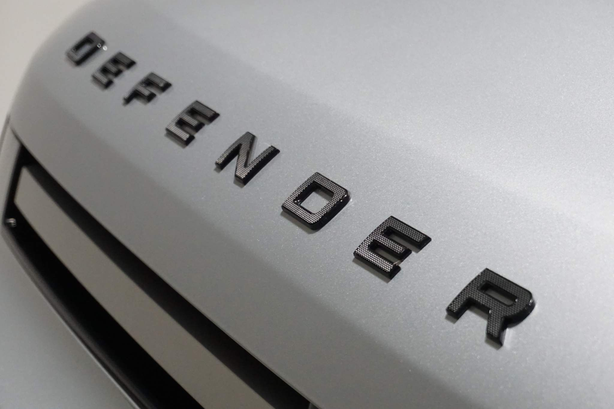 Land Rover Defender 110 2.0 SD4 S Auto 4WD (s/s) 5dr