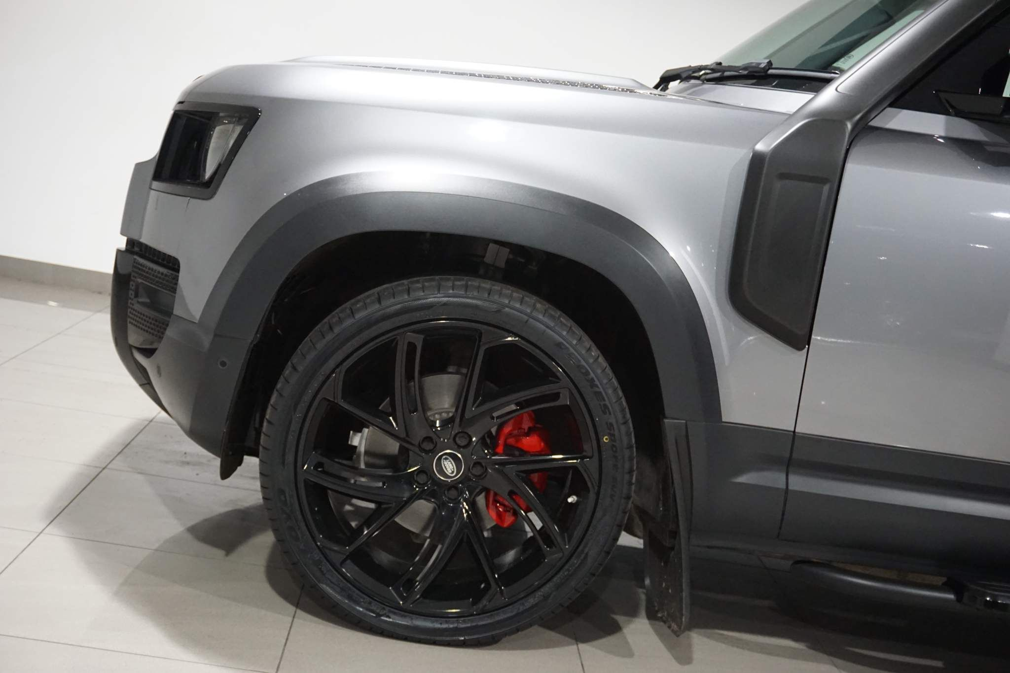 Land Rover Defender 110 3.0 D200 MHEV S Auto 4WD (s/s) 5dr