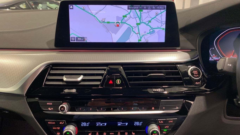 Image 21 - BMW 520d M Sport Saloon (YA69FKW)