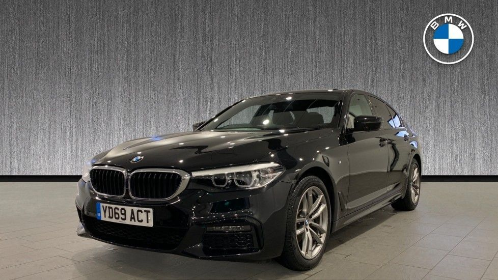 Image 16 - BMW 520d M Sport Saloon (YD69ACT)
