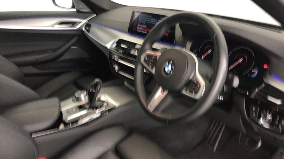 Image 5 - BMW 530e M Sport iPerformance Saloon (YC19ZYW)