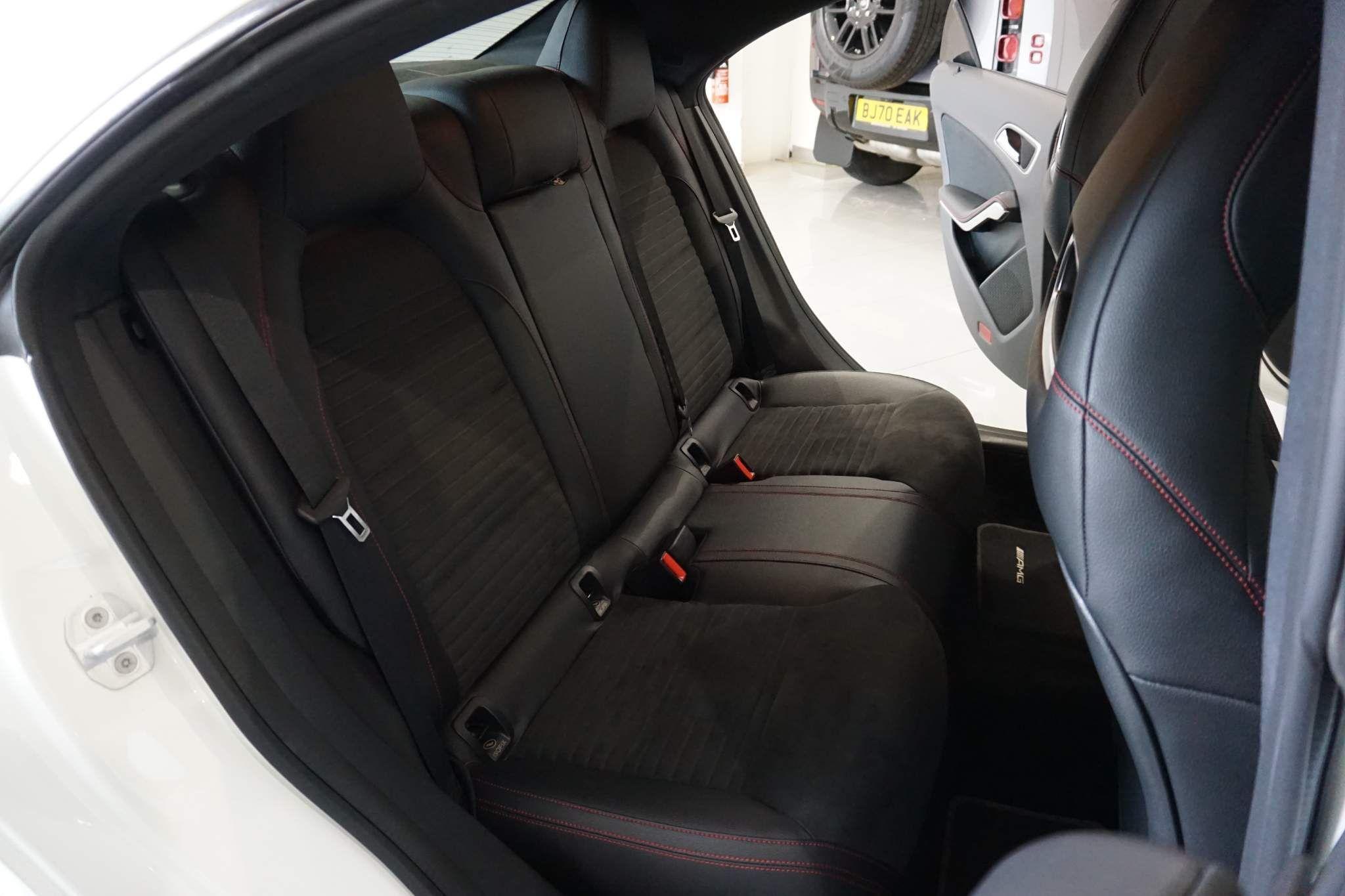 Mercedes-Benz CLA Class 2.1 CLA220 CDI AMG Sport 7G-DCT (s/s) 4dr