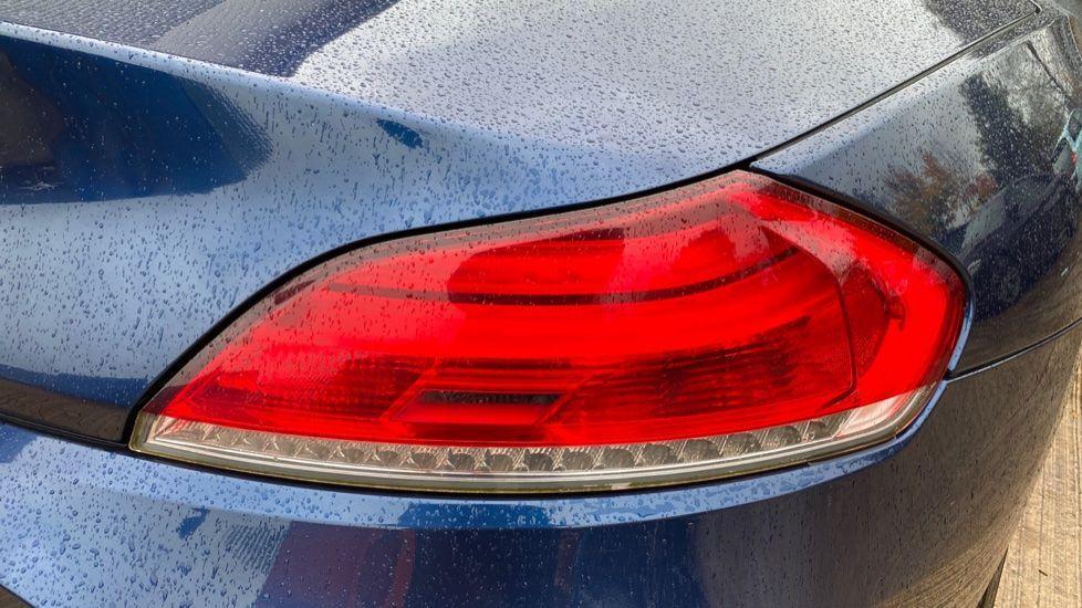 Image 17 - BMW sDrive20i M Sport Roadster (YT12ZXB)