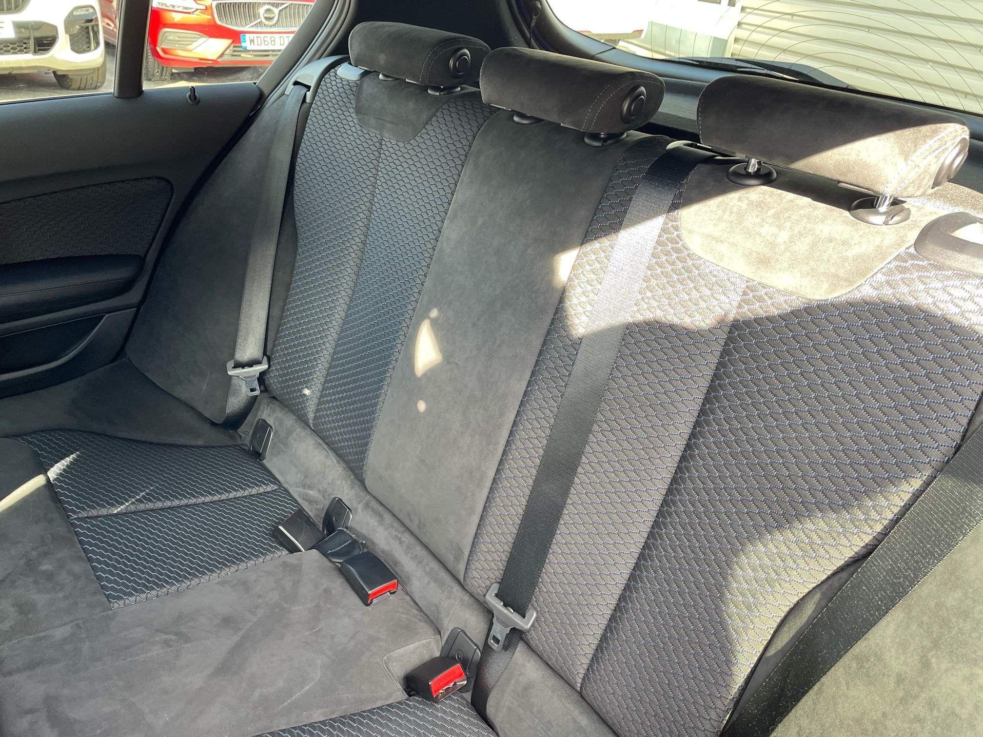 Image 20 - BMW 118d M Sport 5-Door (YF65XJM)