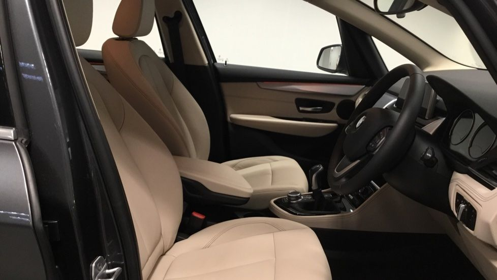 Image 11 - BMW 218i Luxury Active Tourer (PJ20PVX)