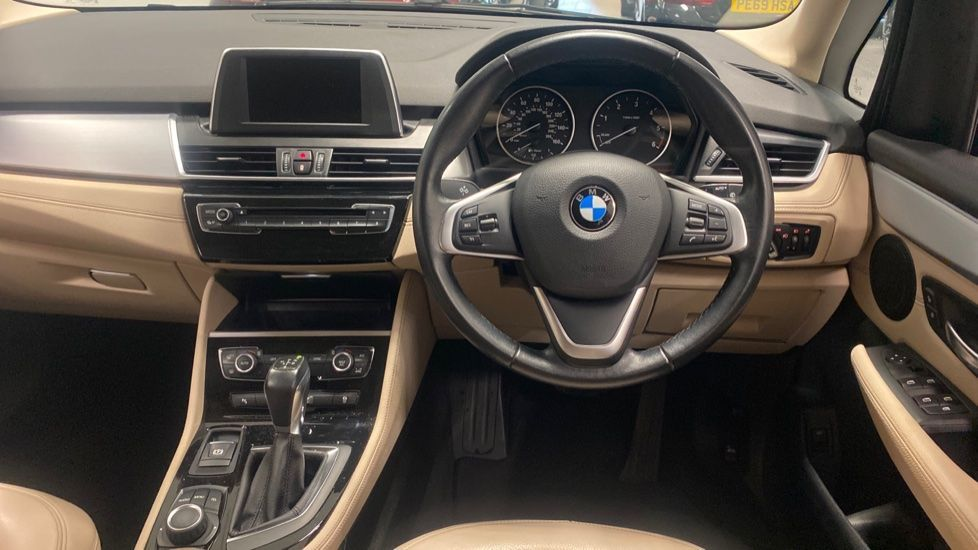 Image 8 - BMW 218d Luxury Active Tourer (PO15VTN)