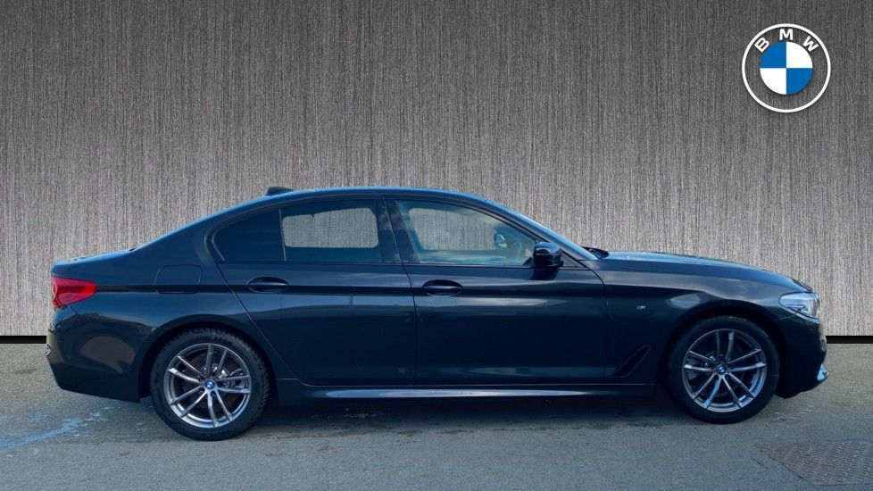 Image 3 - BMW 520i M Sport Saloon (YK69GDN)