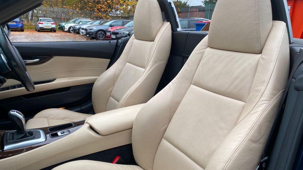 Image 12 - BMW sDrive20i M Sport Roadster (YT12ZXB)