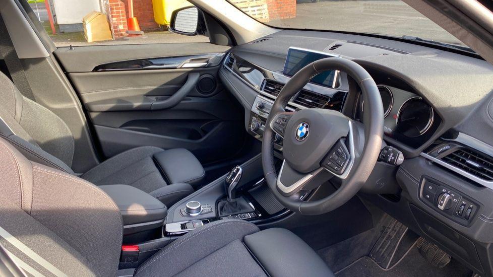 Image 5 - BMW sDrive18i Sport (YH20WBT)