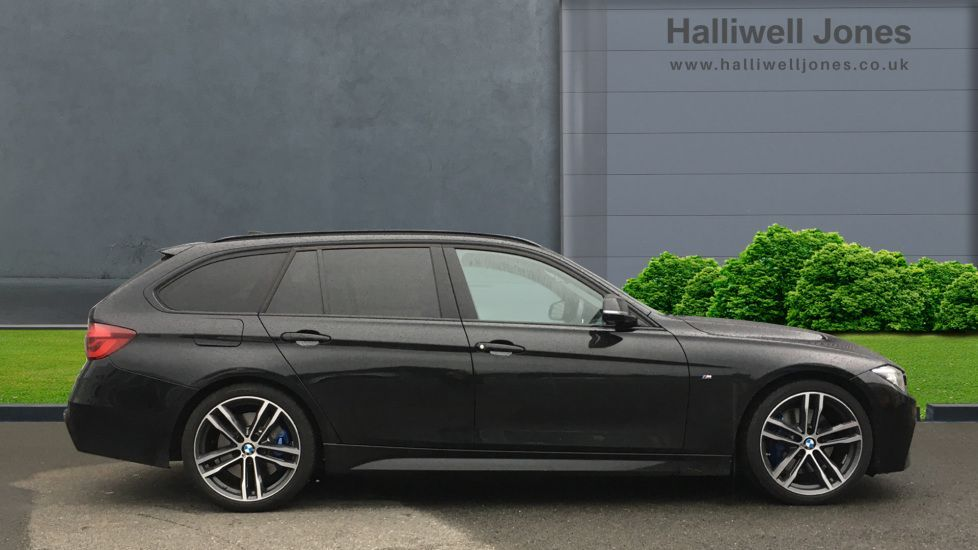 Image 3 - BMW 320i M Sport Shadow Edition Touring (YC19SNJ)