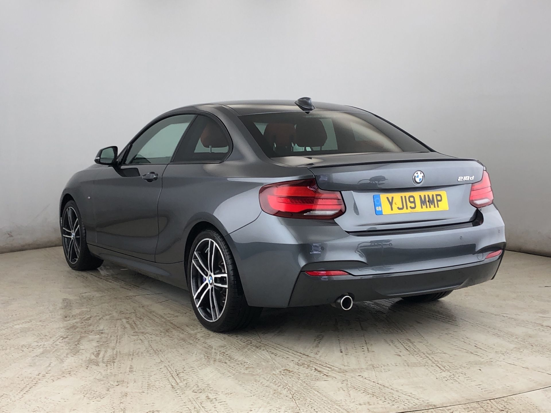 Image 2 - BMW 218d M Sport Coupe (YJ19MMP)