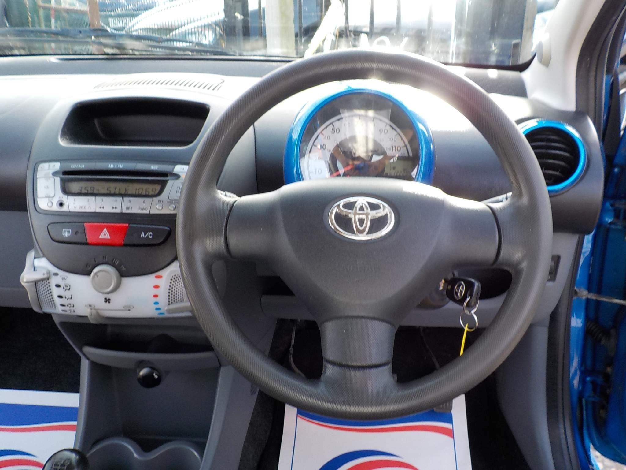 Toyota AYGO 1.0 VVT-i Blue Blue 5dr