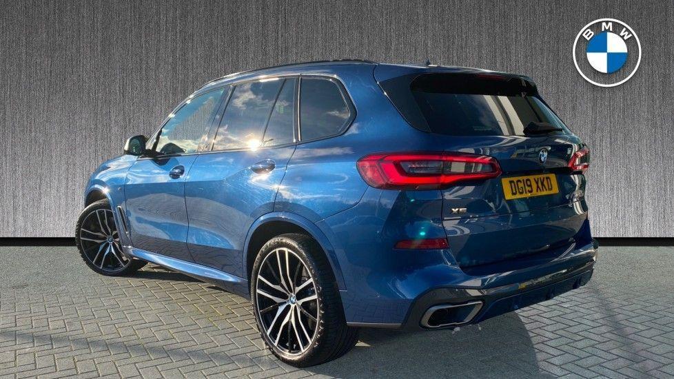 Image 2 - BMW M50d (DG19XKD)