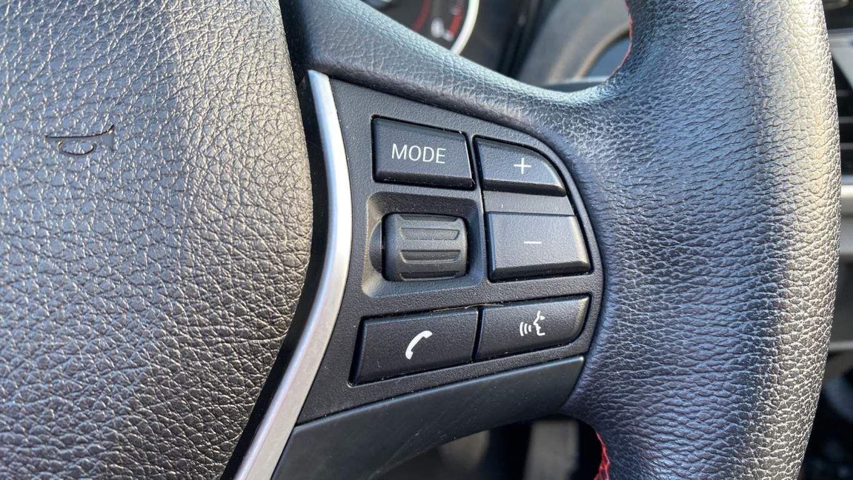 Image 18 - BMW 218d Sport Convertible (MJ17EAY)