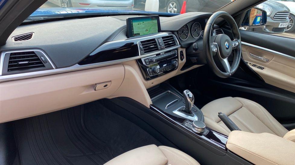 Image 6 - BMW 320i xDrive M Sport Shadow Edition Saloo (YB67KFC)