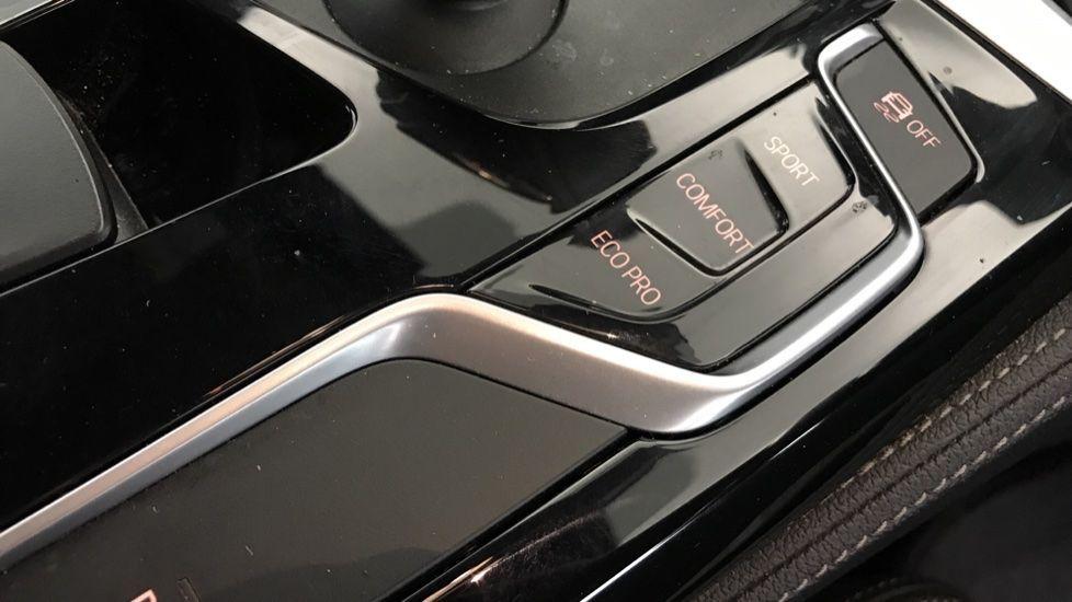 Image 19 - BMW 520d M Sport Touring (YB69VCJ)