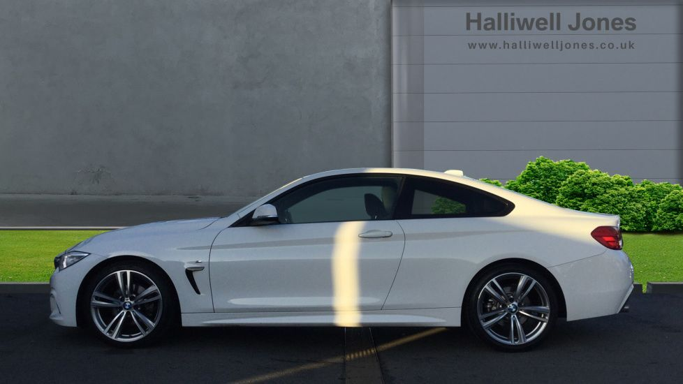 Image 3 - BMW 420d M Sport Coupe (YE14KGV)