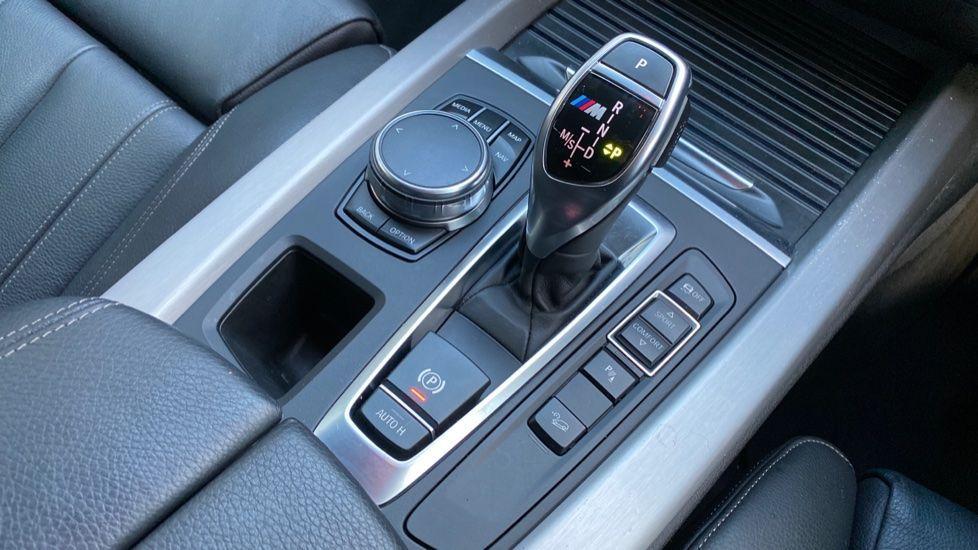 Image 10 - BMW M50d (MA18HPX)
