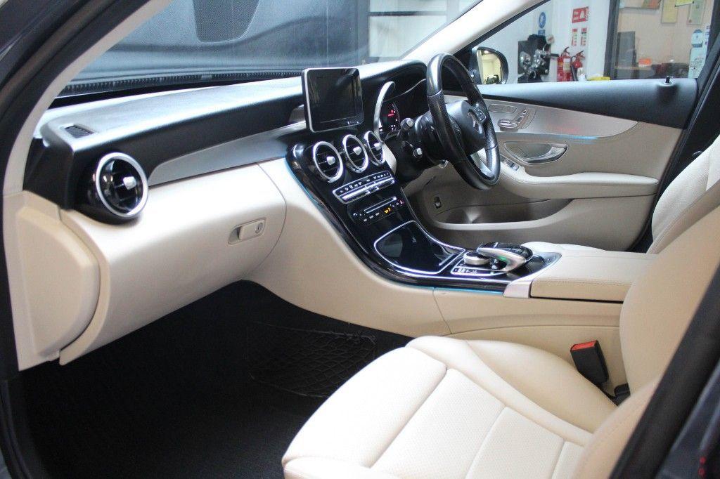 Used Mercedes-Benz C-Class C220 ESTATE PREMIUM PLUS PORCELAIN   LEATHER CAMERA PAN ROOF (2015 (151))