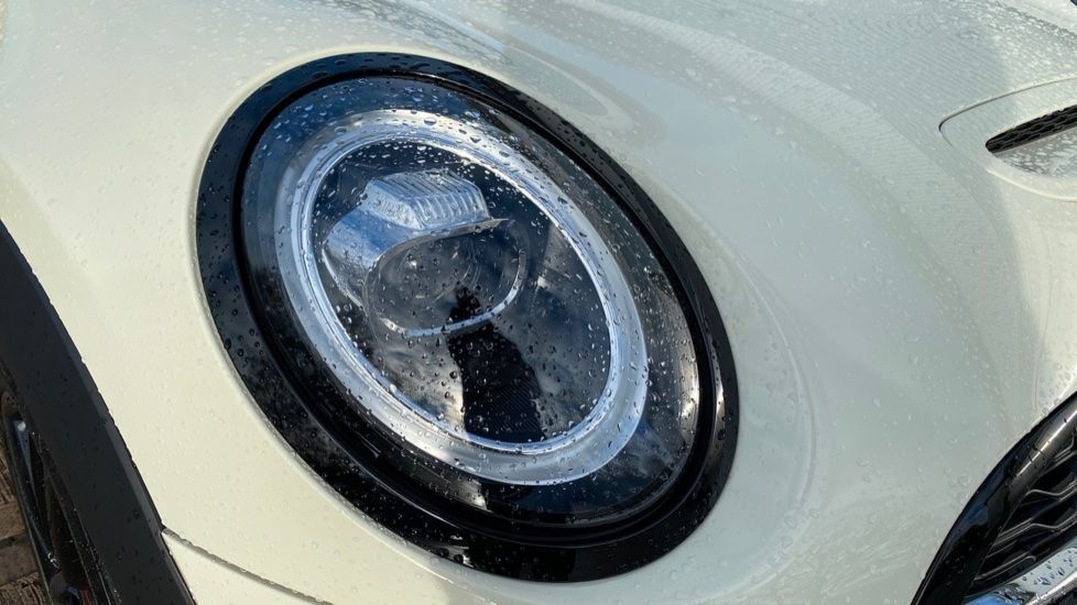 Image 23 - MINI Hatch (MW69OMX)