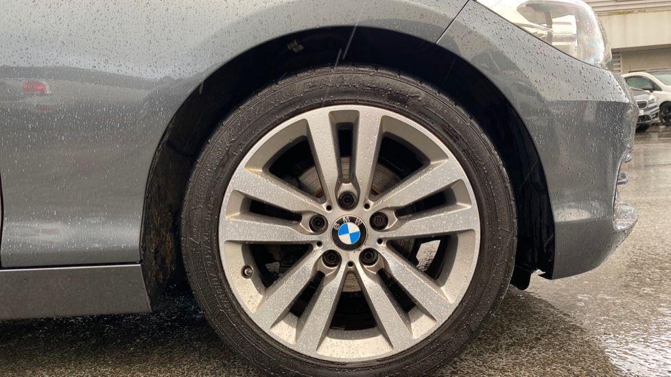 Image 14 - BMW 118d Sport 5-Door (NL67GSV)
