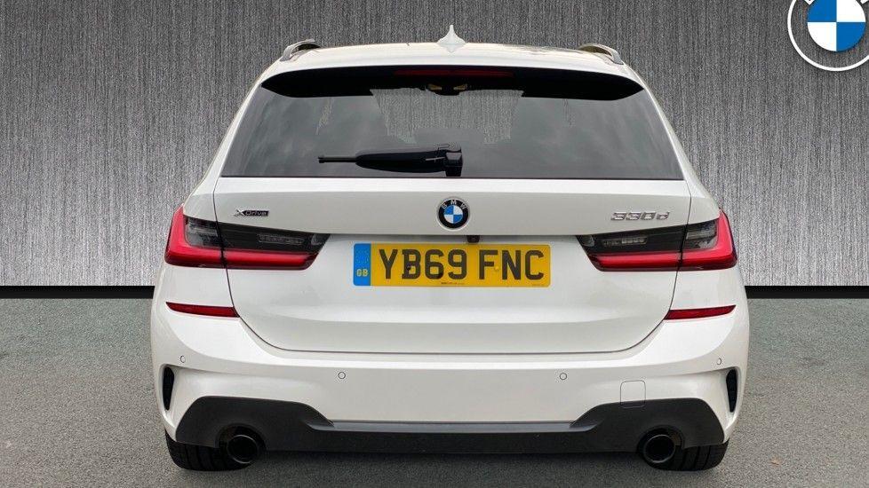 Image 15 - BMW 330d xDrive M Sport Touring (YB69FNC)
