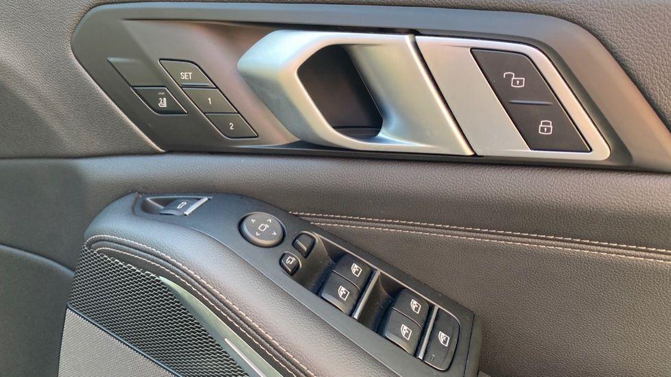 Image 14 - BMW M50d (DG19XKD)