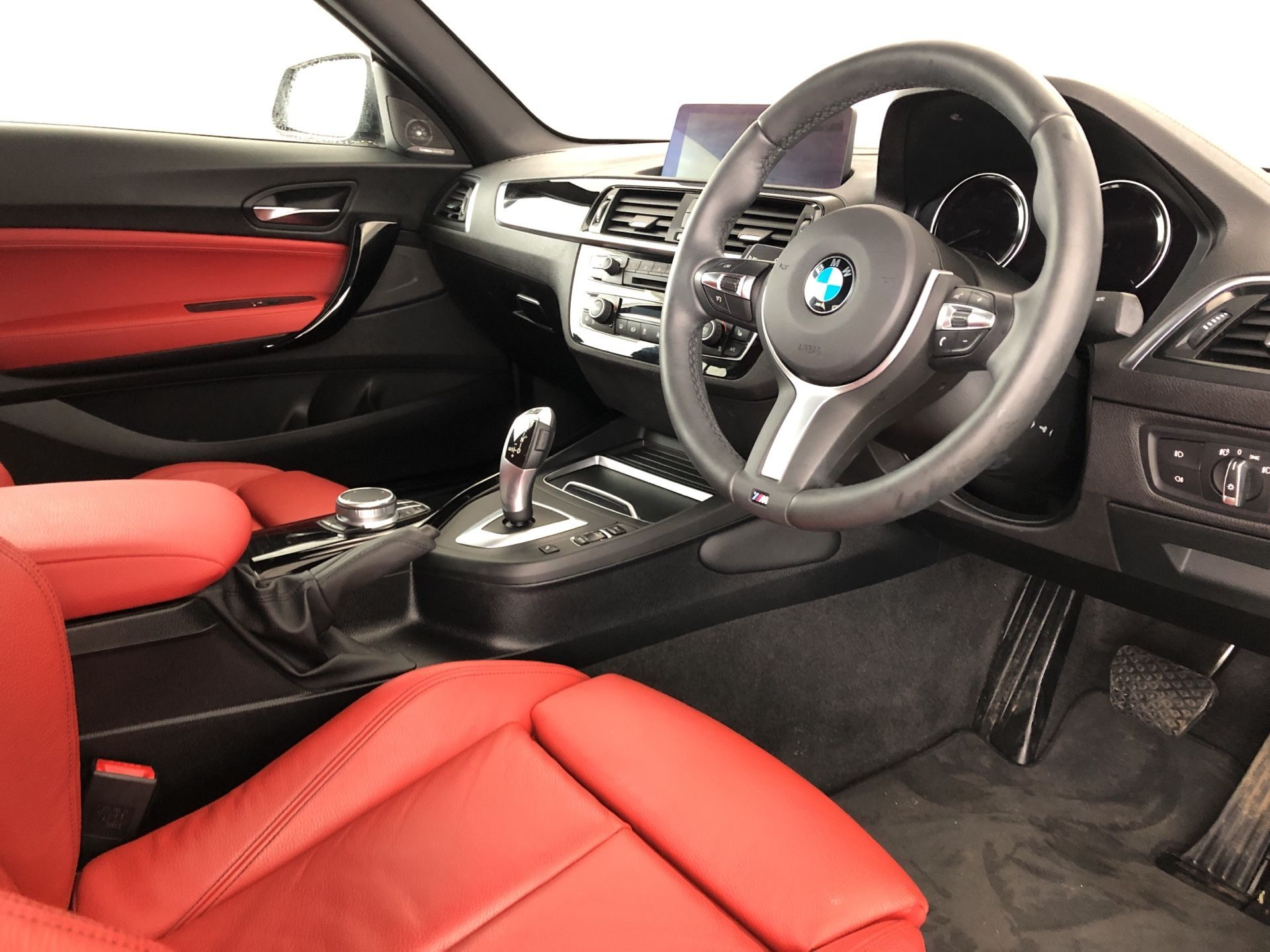Image 4 - BMW 218d M Sport Coupe (YJ19MMP)