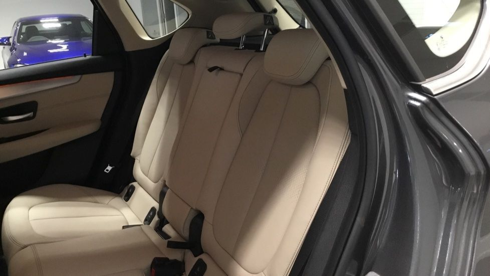 Image 12 - BMW 218i Luxury Active Tourer (PJ20PVX)