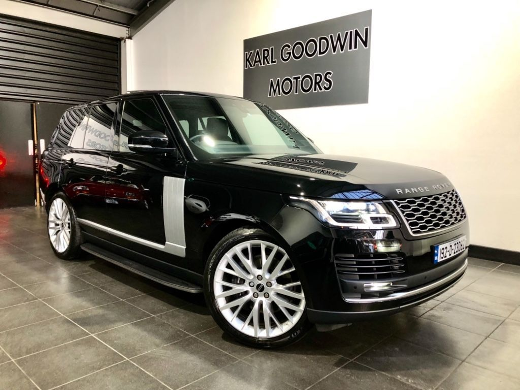 Land Rover Range Rover P400E VOGUE HUGE SPEC LOW MILES