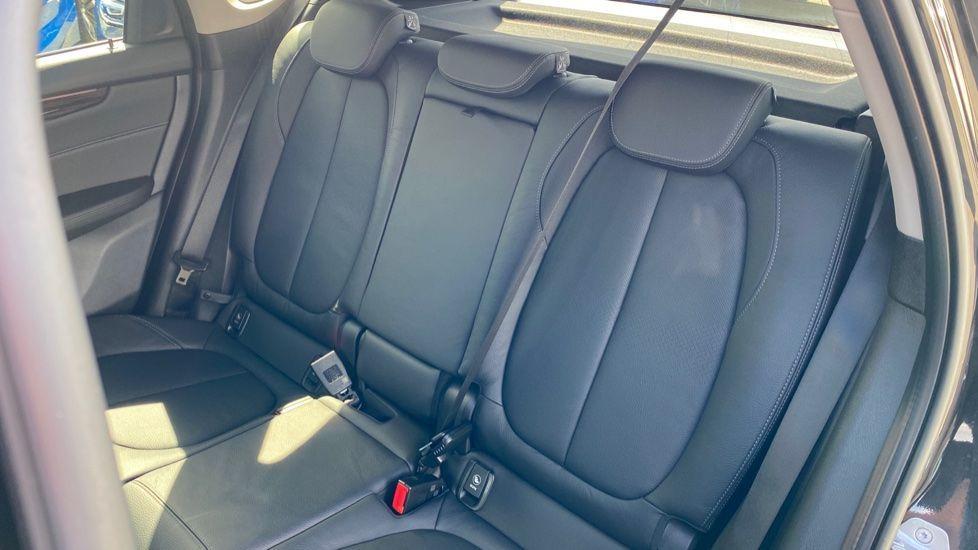 Image 12 - BMW 218i Luxury Active Tourer (YC69FNN)