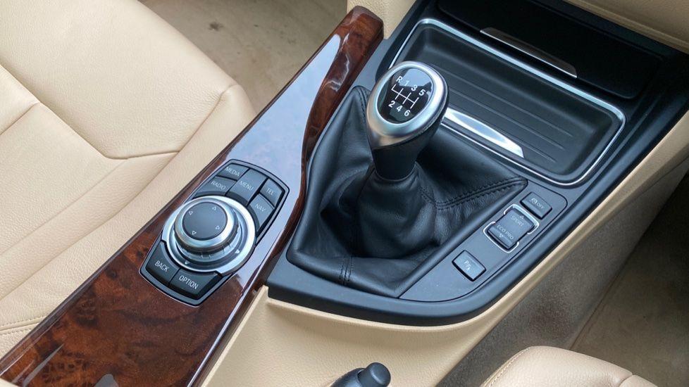 Image 10 - BMW 320d Luxury Gran Turismo (MX64WDM)