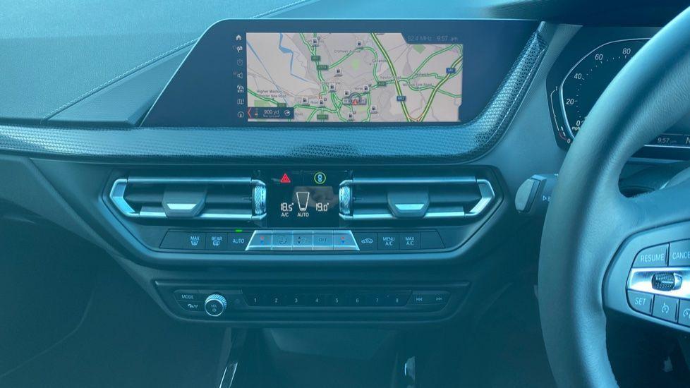 Image 7 - BMW 118i Sport (YF69HKN)