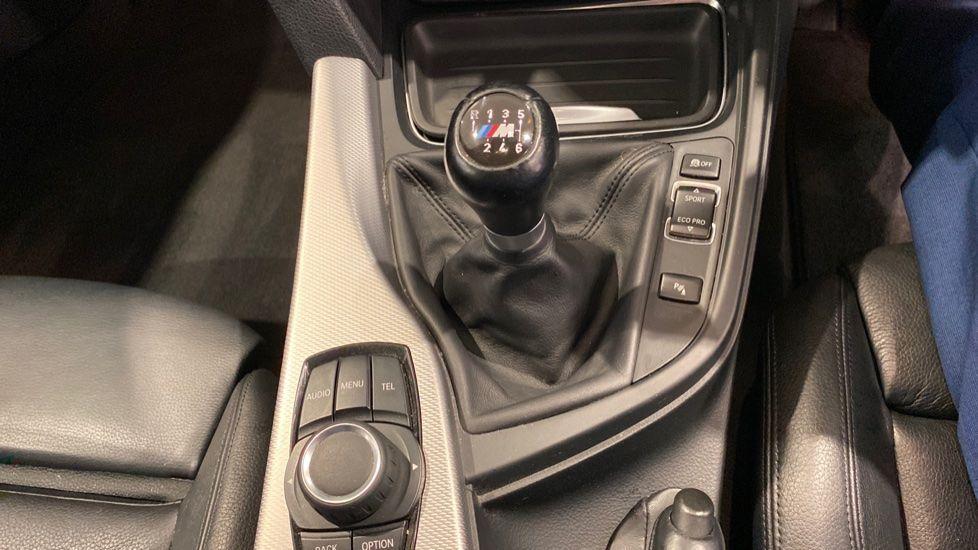 Image 9 - BMW 320d M Sport Saloon (YH13XCG)