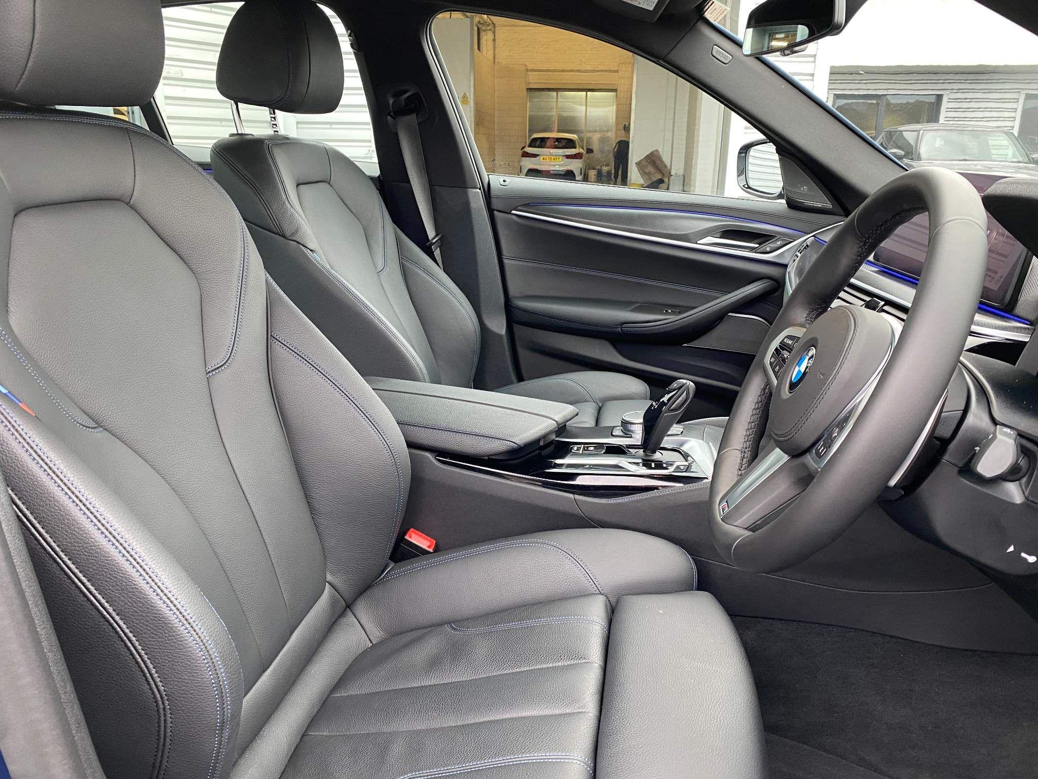 Image 20 - BMW 530d xDrive M Sport Saloon (MV70CGK)