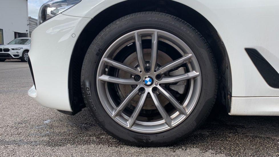 Image 14 - BMW 520d xDrive M Sport Saloon (SE19ZXV)