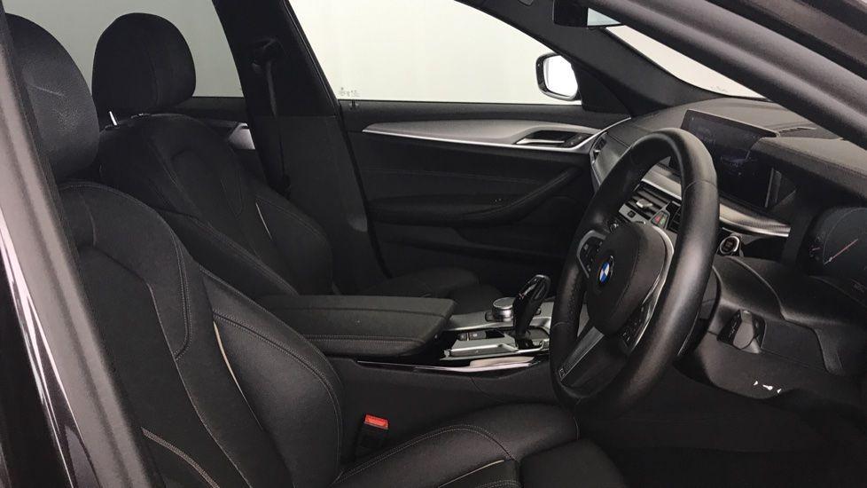 Image 11 - BMW 520d M Sport Touring (YL69UCE)