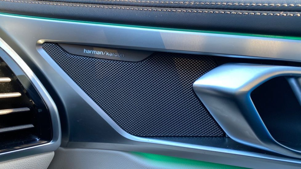 Image 19 - BMW 840i Gran Coupe (YE69WNX)