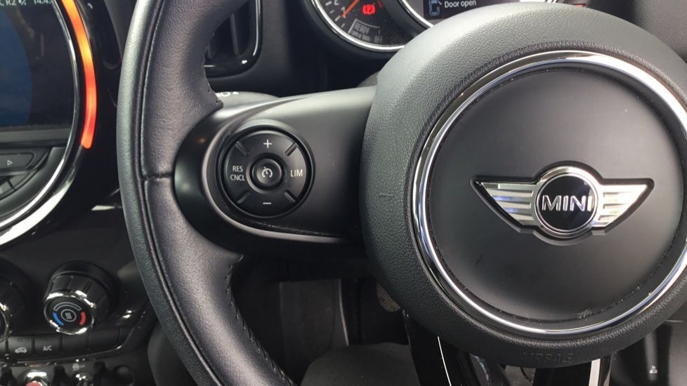 Image 17 - MINI Countryman (CX67RKV)