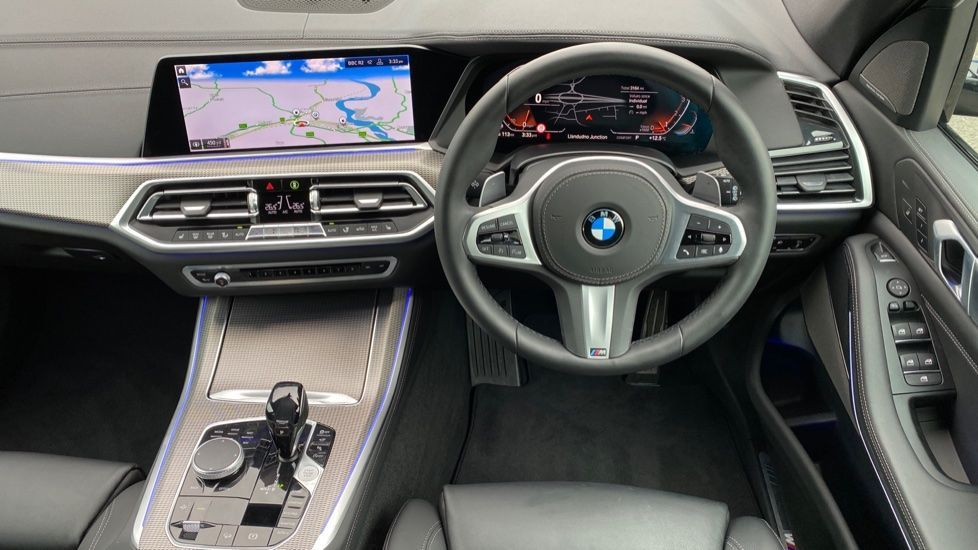 Image 8 - BMW xDrive40i M Sport (YL69YOF)