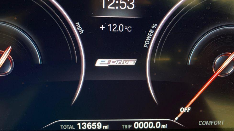 Image 8 - BMW 530e M Sport iPerformance Saloon (YD68YVA)