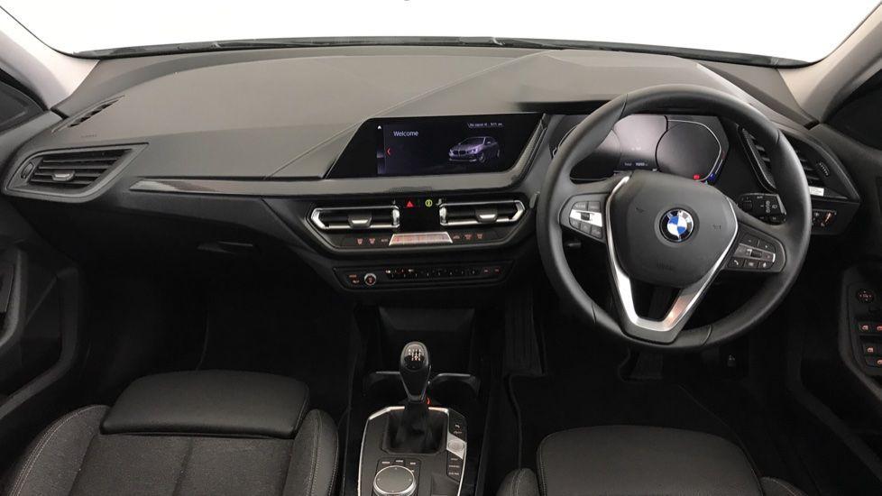 Image 4 - BMW 118i Sport (YF69NZU)