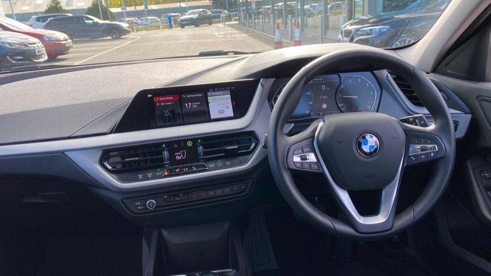 Image 4 - BMW 118i SE (CX20JXW)