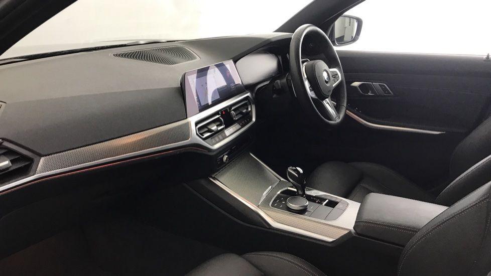 Image 6 - BMW 320d M Sport Touring (YG20CKP)