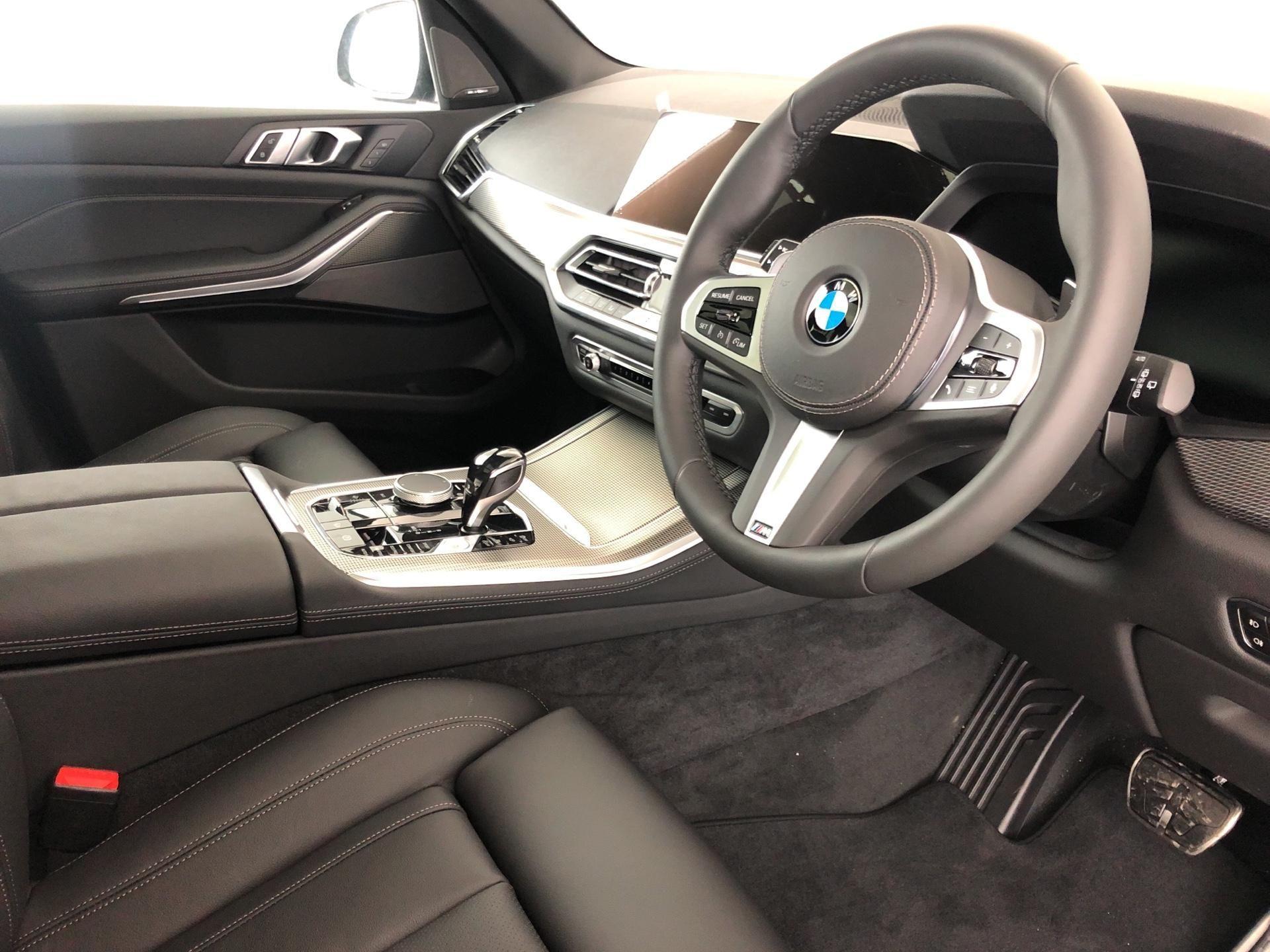 Image 4 - BMW xDrive30d M Sport (YF69TZY)