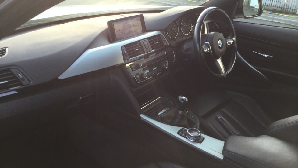 Image 12 - BMW 420d M Sport Coupe (YE14KGV)