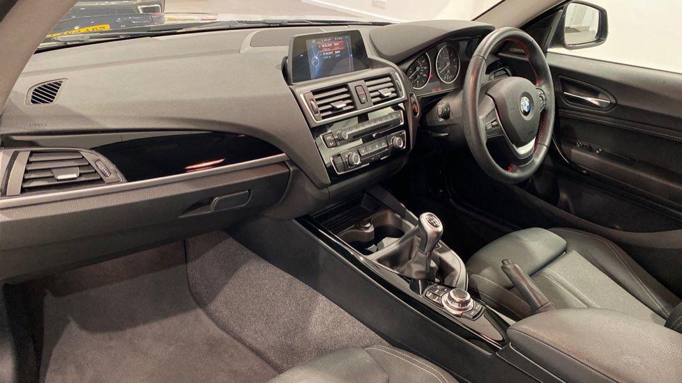 Image 12 - BMW 118i Sport 3-Door (LW17DCU)