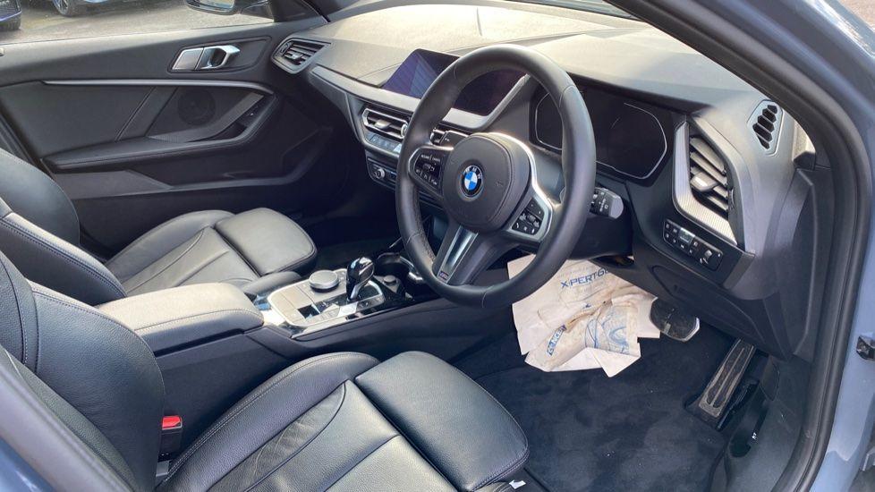 Image 5 - BMW 118i M Sport (YB69VFJ)