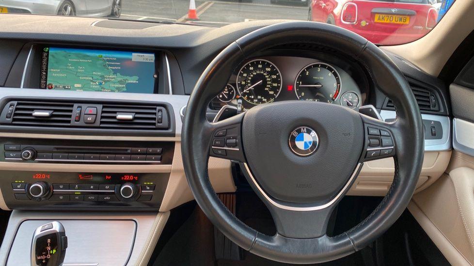 Image 5 - BMW 520d SE Touring (YF65WWD)